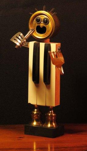 oct30-pianoman
