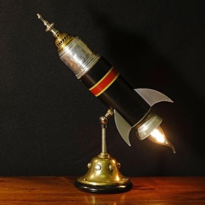 Lamp2019Rocket-Insta